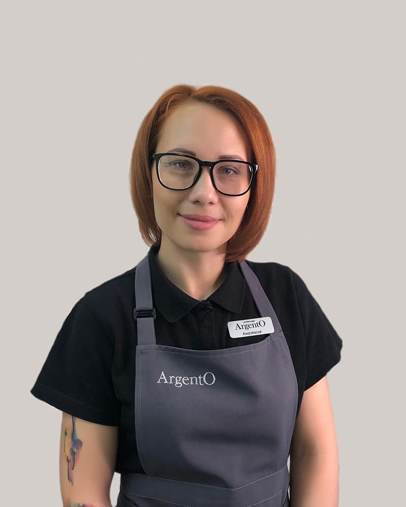 https://argento-nails.ru/sotrudniki/#larionova-anastasia